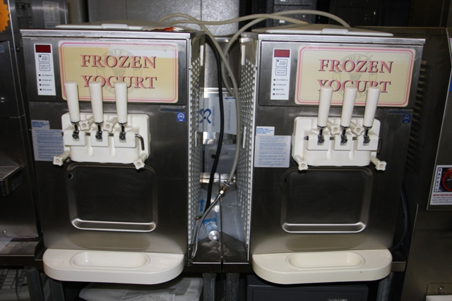 two flavor with a twist frozen yogurt machines for sale used