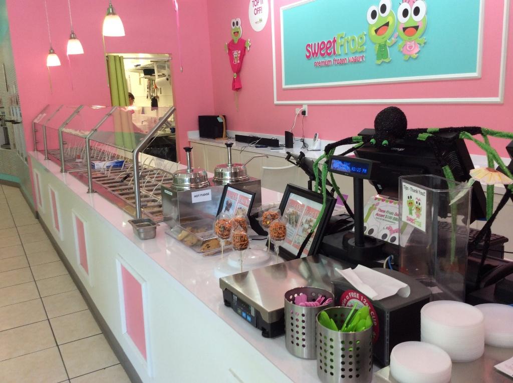 yogurt store topping bars used